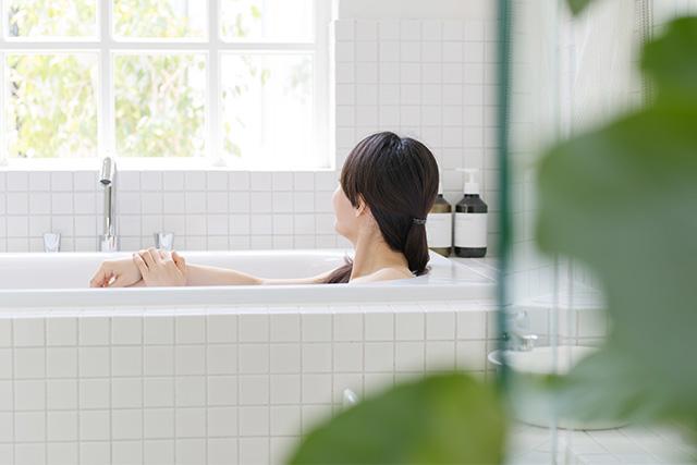 ローラなどの芸能人も実践!タモリ式入浴法とは?
