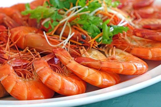 サケ・エビ・カニなどの赤い魚介類