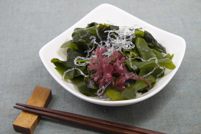 海藻類などLPS(リポ多糖類)を多く含む食べ物
