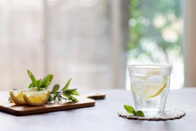 炭酸水が肌荒れに良いって本当?