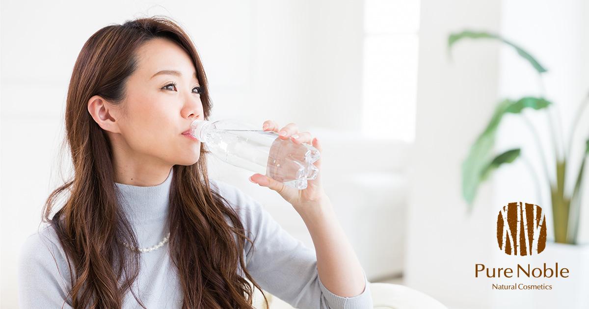 炭酸水を飲むと肌にいい?悪い?肌荒れに効果的って本当?